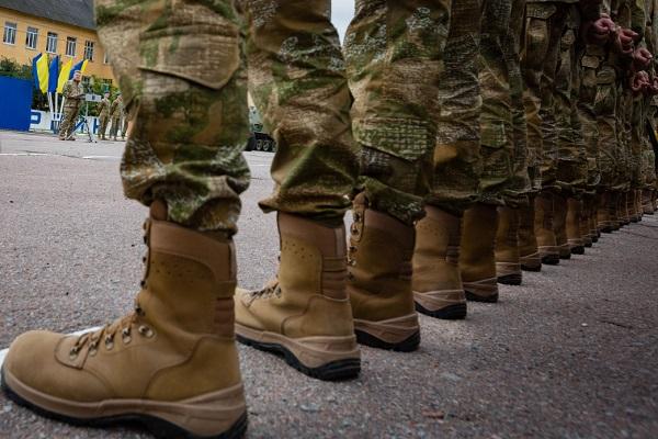 jakie buty wojskowe